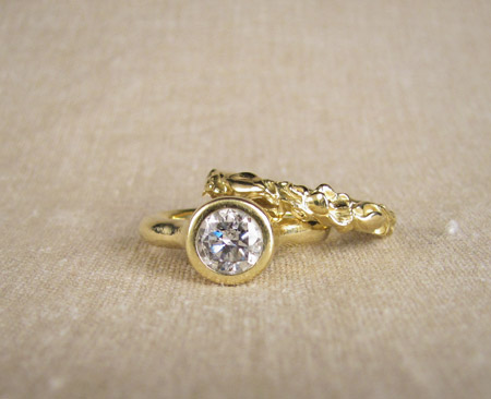 18K gold and diamond with carved rosebud band wedding set