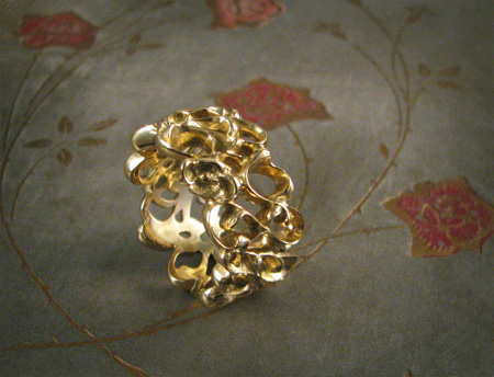 18K gold handcarved art nouveau ring