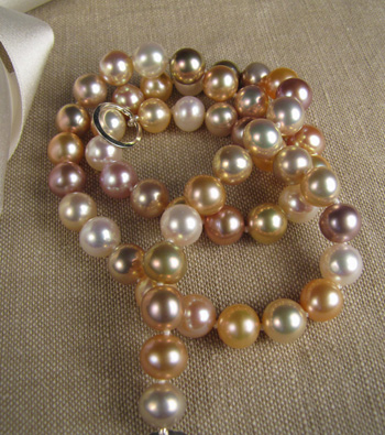 Chinese freshwater pink pearl necklace (knotted on silk)