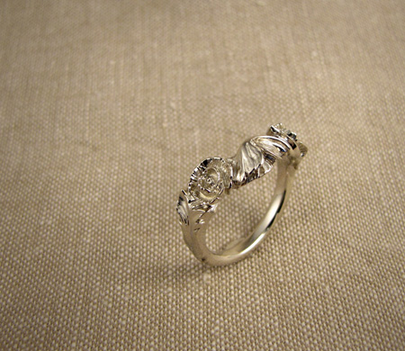 14K white gold poppy wedding band