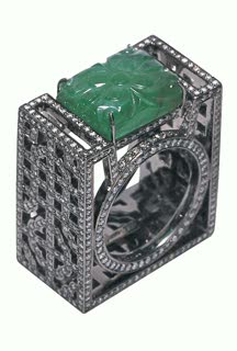 Yewn jade lattice ring