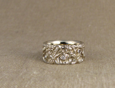 18K Carved Forest of trees ring w/diamonds