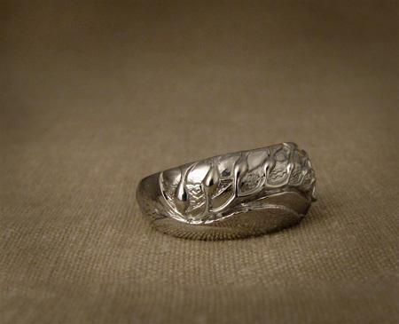Hand-carved giant kelp ring; 14K white gold