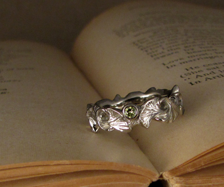 14K white gold ginkgo ring with green diamond