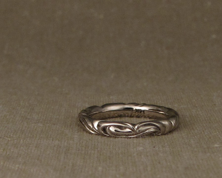 Art nouveau wedding band - 14KPd white
