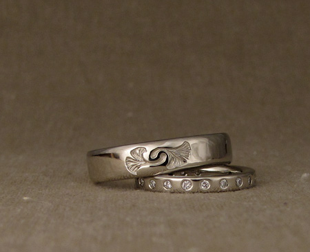 14K ginkgo wedding/eternity bands
