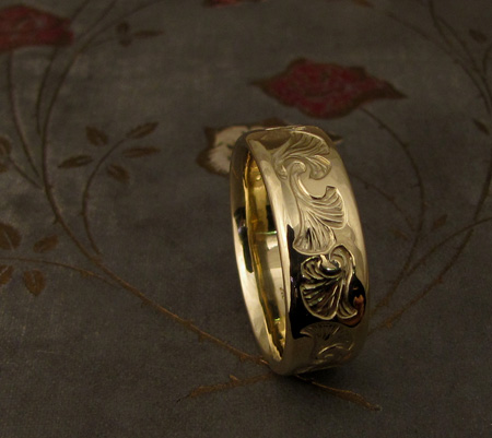 18K Intaglio carved ginkgo wedding band