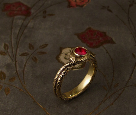 Coiled snake solitaire - 18K gold & ruby