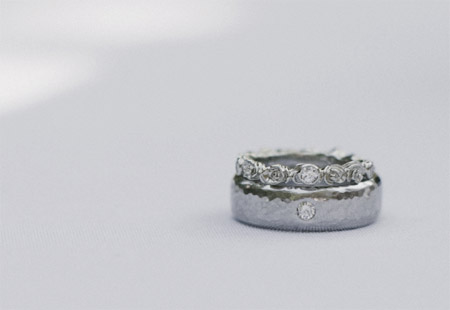 14K white gold rosy eternity band + hammered band