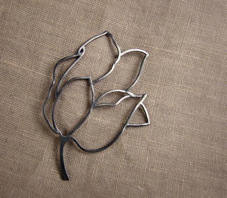 Tulip brooch - sterling silver