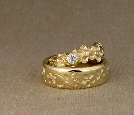 18K forget-me-not wedding bands