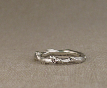 14K white gold ginkgo branch band