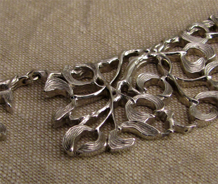 hand-carved 14K mistletoe collar necklace