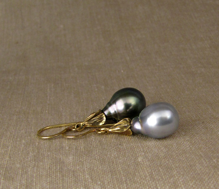 18K floral black & white pearl drop earrings