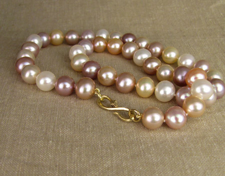 18K snake S-hook strand of pearls