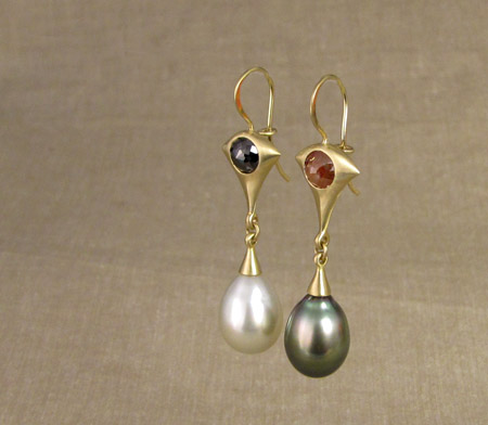 ooak rose-cut diamond and Tahitian pearl drop earrings, 18K