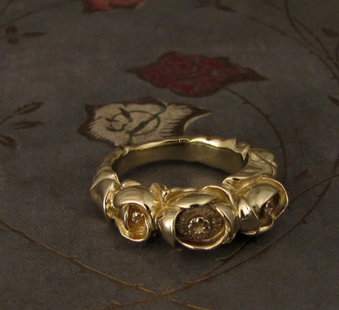 18K Hand-carved Pond Lily Ring