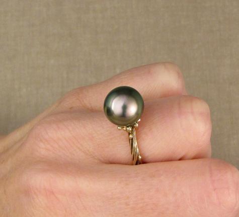Custom seaweed pearl solitaire, 14K gold