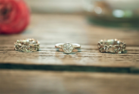 Yvonne & Cas' wedding rings