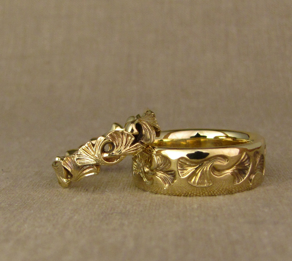 18K hand-carved ginkgo wedding bands